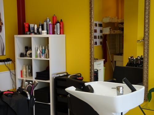 Bild 11 500x99999 - Haarstudio - Friseurs in Rüdnitz